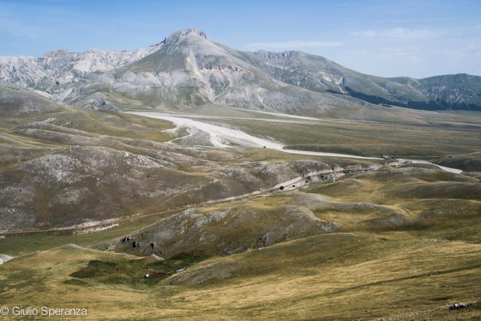 Il Monte Camicia visto da Monte Bolza