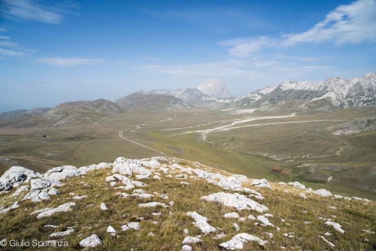 Campo Imperatore visto dalla cima di Monte Bolza.